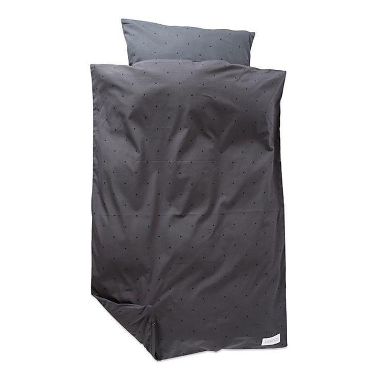 Classic dot sengetøj. Dynebetræk lukkes med skjult lynlås. Matchende net medfølger. 100% økologisk bomuld  Maskinvaskes ved 40 grader