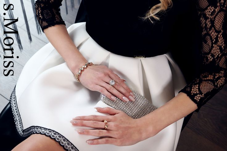 #smoriss #romantyczna #zmysłowa #niewinna #piękna #sesjazdjeciowa #moda #sukienka #zdjęcia #kobieta #polishgirl #fashion #kobieca #zakupy #fason #styl #wdzięk