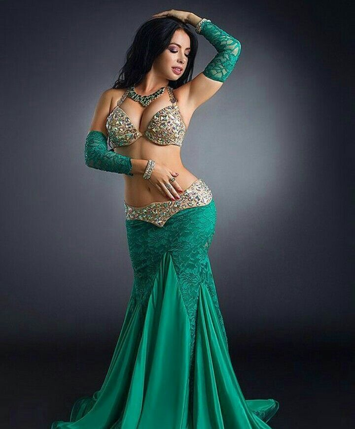 Looks like a really cute outfit for a belly dancer