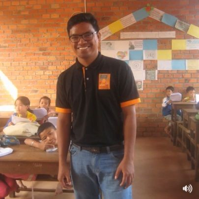 Hello everyone around our Facebook FDC World. Today we share a wonderful story of determination and selflessness and ask you to like and share this post in the hope of securing a generous sponsor for this warm and kind hearted selfless young man.  <3