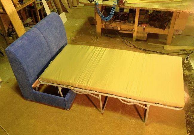 Простой раскладной диванчик своими руками