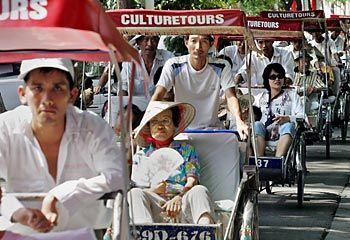 Rickshaw tour / AFP - Hanoi, Vietnam