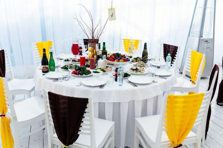 Желтая свадьба. Свадьба в осеннем стиле. Украшение столов гостей