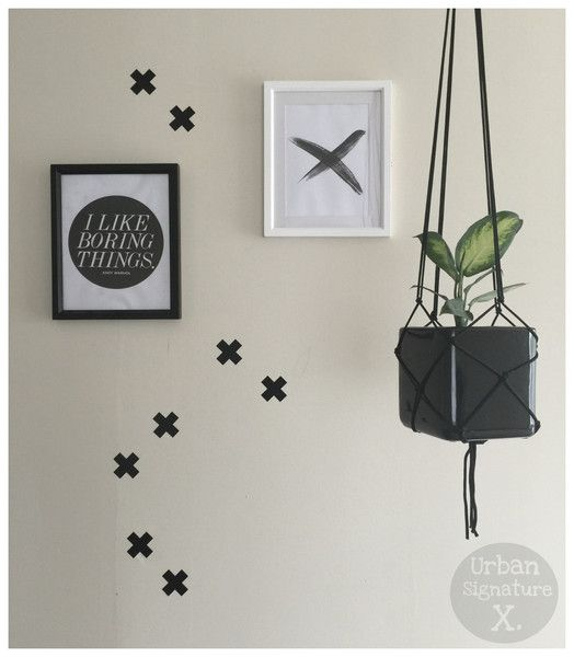 New Zealand made removable wall decals. Geometric stickers perfect to decorate your walls. All shapes and sizes.