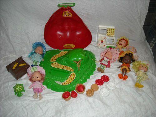 vintage lot strawberry shortcake house bake shop dolls toys pet 1980's $59