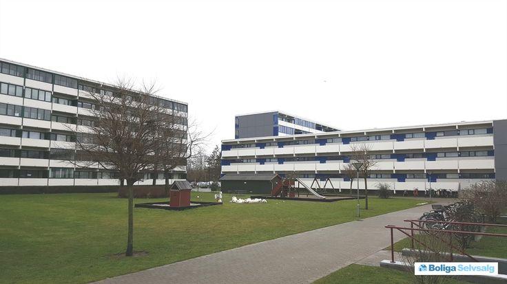 Vejlegårdsparken 12, 1. 11., 2665 Vallensbæk Str. - Dejlig stor 2 værelses lejlighed i rolige omgivelser med altan #ejerlejlighed #ejerbolig #vallensbæk #selvsalg #boligsalg #boligdk