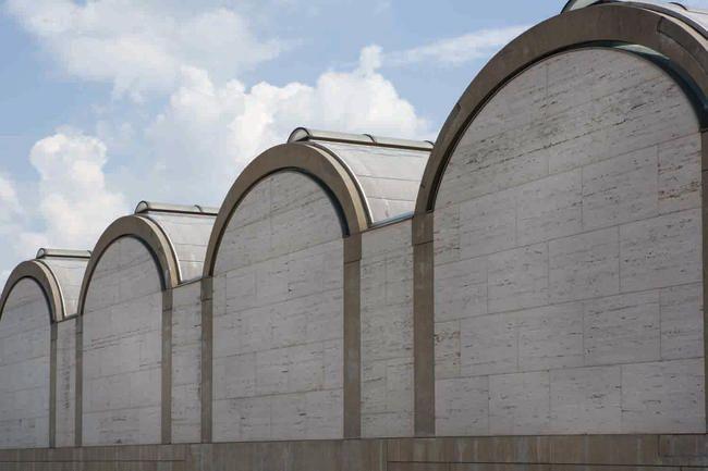 Kimbell Art Museum : North facade barrel vaults | Louis Kahn | Photo : Robert LaPrelle © 2013 Kimbell Art Museum