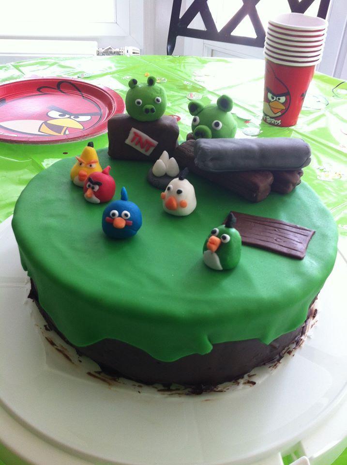 """Gâteau personnalisé sur le thème """"Angy Birds"""""""