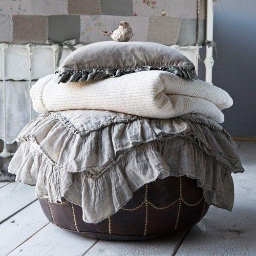 with ruffles: Decor, Babies, Beds, Bedrooms Interiors Design, Linens, Colors Schemes, Baby Blankets, Pillows, Bella Nott
