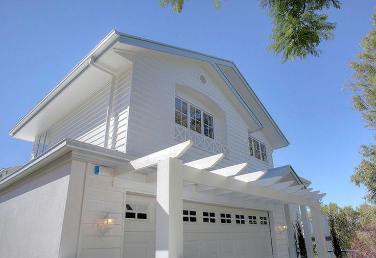 Hamptons style home exterior