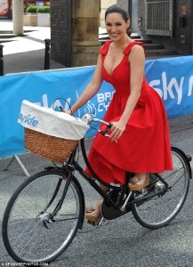 Kelly Brook Stunning in Ascot 1950's Circle Dress     £95.00 --->>>