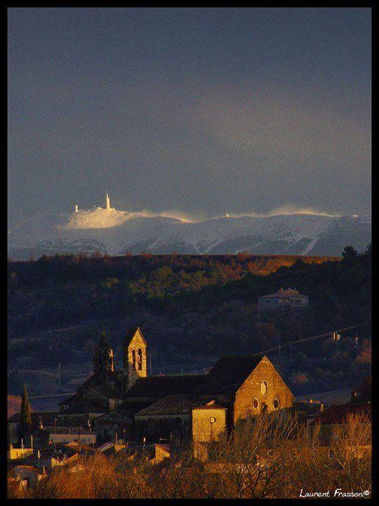 Couché de soleil sur Valréas (17h50 le 05/02/2014) - Le manteau blanc du Mont Ventoux balayé par le mistral (© Laurent Frasson)