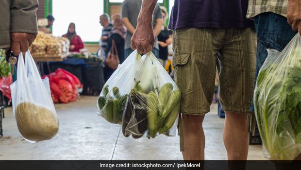 Storing Your Vegetables In Plastic Bags? Here's Why You Need To Stop