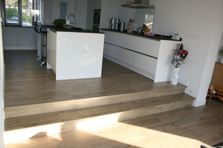 Vloertegels houtlook marazzi treverk home olmo met keramische traptreden   Keramisch parket