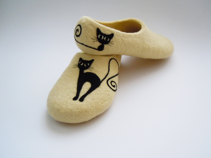 so stinkin cute!  Felted light cream colour slippers BLACK CAT. $64.00, via Etsy.