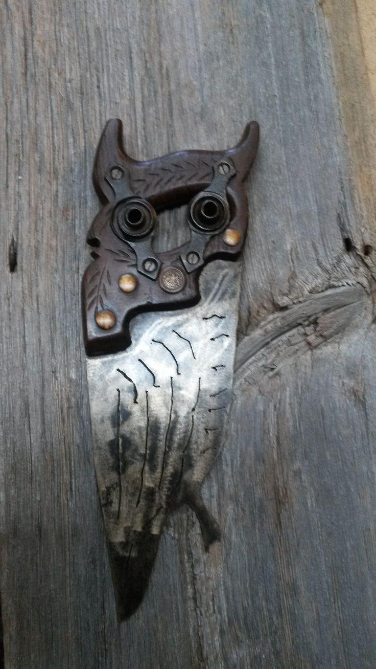 J'ai fabriqué ce hibou à partir d'une scie égoïne.  Visiter aussi mgartrecup.wordpress.com ou ma page Facebook: michel.gauthier.artrecup