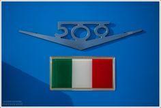 Le #Fiat500 sono un vero e proprio simbolo di #eleganza e #stile# italiano.  www.palmanovaoutlet.it