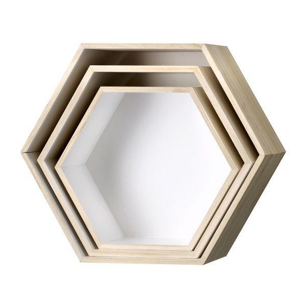 Trekasse sekskantet 3pk Tre sekskantede trekasser med hvit innside, en ny variant av Bloomingvilles populære trekasser Veil. 899,-