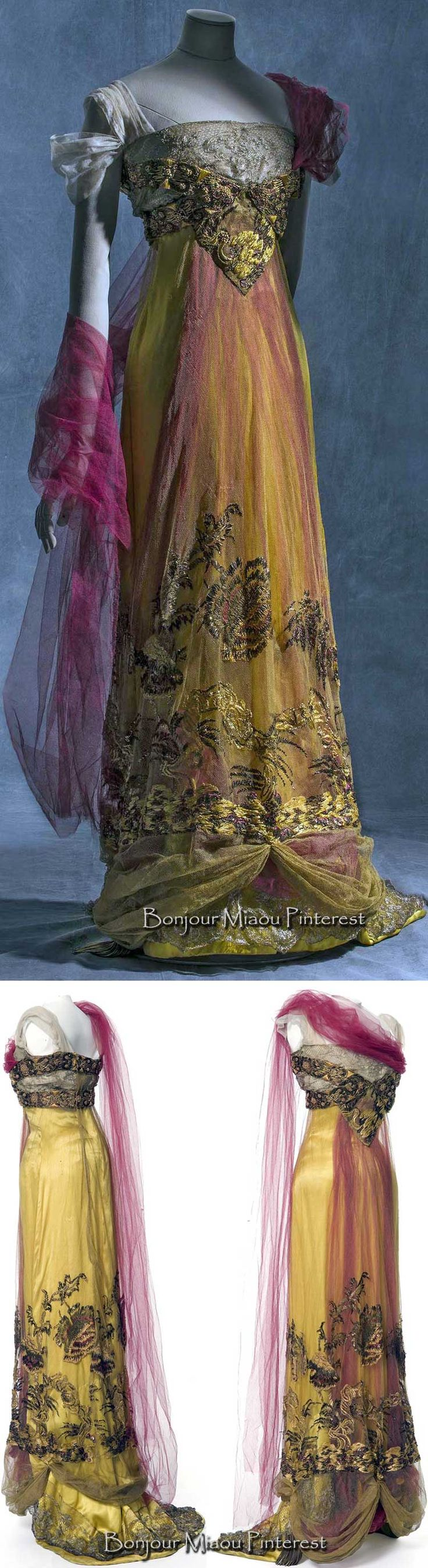 Evening gown, Callot Soeurs, ca. 1909–13 or 1907–10 (sources difffer). Silk satin, metallic tulle, and silk tulle. Photos: Jean Tholance. Les Arts Décoratifs and Europeana Fashion | JV