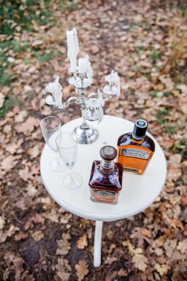 Whiskybar = stoer, chic en stylish. En je mannelijke bruiloftsgasten kunnen dit wel waarderen! #mannenweek