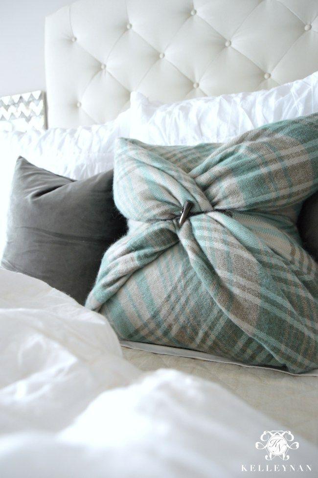 diy no sew blanket scarf christmas pillow tutorial pillow tutorial blanket scarf and. Black Bedroom Furniture Sets. Home Design Ideas