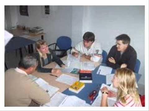 Somos una Academia de Ingles con dinámica en la enseñanza y clases personalizadas, entretenidas con temas de interés que permiten aprender la fonética inglesa en el club de ingles conversacional. Damos clases de Español para personas extranjera.