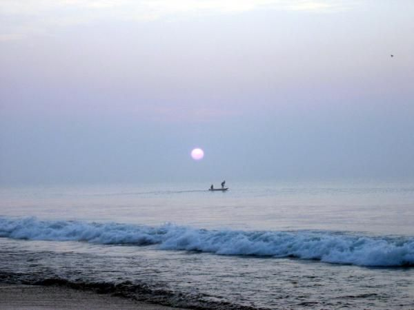 From enthralling adventure to serenity, the vast stretch striking beaches of Orissa are famous for their overwhelming approach.They can enthrall any holiday spirit of Orissa Beach Tour with Swosti Travels.The ever roaring blue spread of Bay of Bengal unfolds over the golden beaches, the over 250 miles long coastline of Orissa dotted with some exotic beach beauties like; Puri, Chandrabhaga, Ramchandi, Gopalpur, Chandipur, Paradeep, and Talasari.