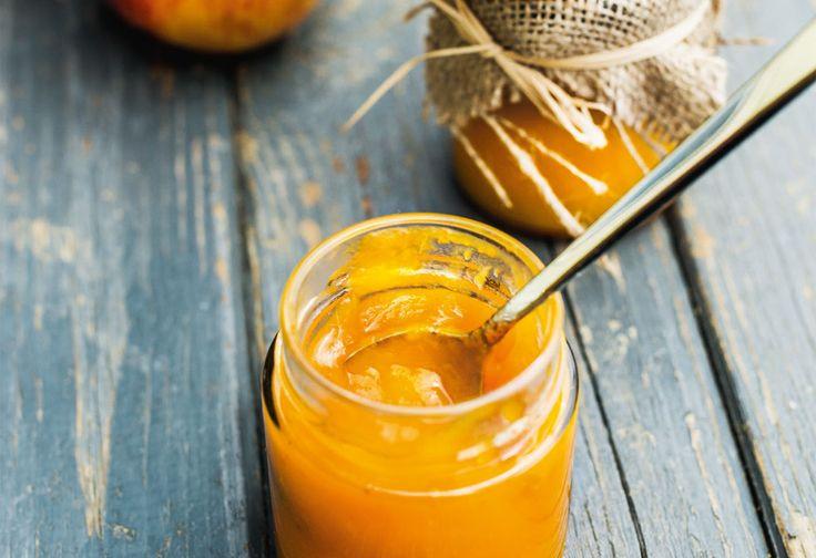 Kürbis nach Belieben schälen, entkernen undin Stücke schneiden. In einem Topf mit 150 mlWasser ca. 10 Minuten weich dünsten.Währenddessen die Äpfel schälen, putzen undwürfeln. ...