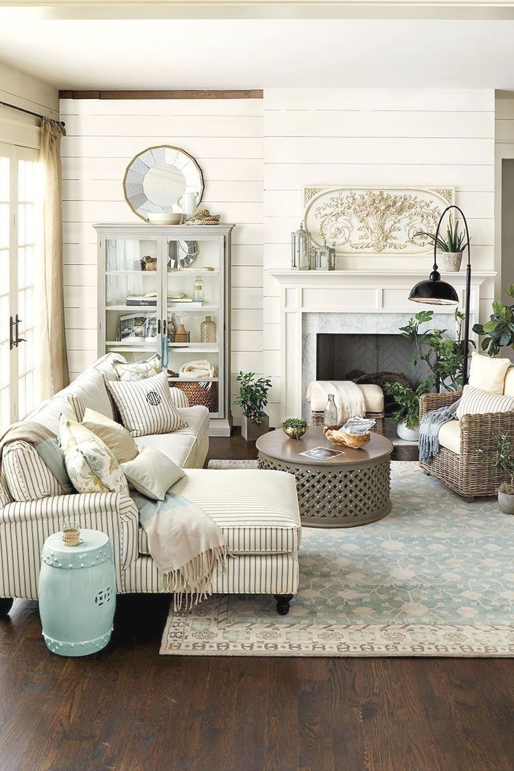 Beautiful Coastal Themed Living Room Decorating Ideas To Makes Your Home  Cozy 42 #cozyhomedecor