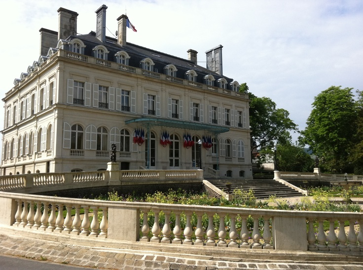 35 best epernay images on pinterest champagne airplanes and castles - Maison jardin morgan city reims ...