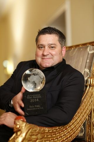 Raúl Perez mejor enólogo del año en la gala 'Wine Awards 2014' https://www.vinetur.com/posts/1391-raul-perez-mejor-enologo-del-ano-en-la-gala-wine-awards-2014.html
