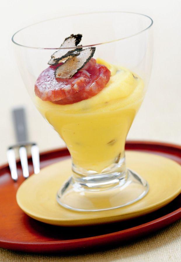 Bicchierini di purè al tartufo e salame