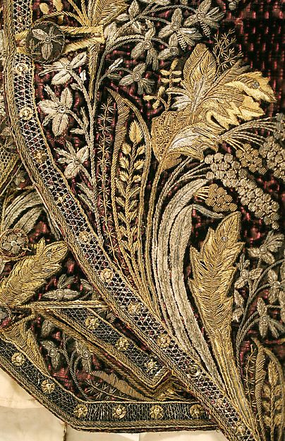 Court presentation ensemble (image 4 - detail)   French   1804-14   no medium available   Metropolitan Museum of Art   Accession Number: 23.170.3a, b