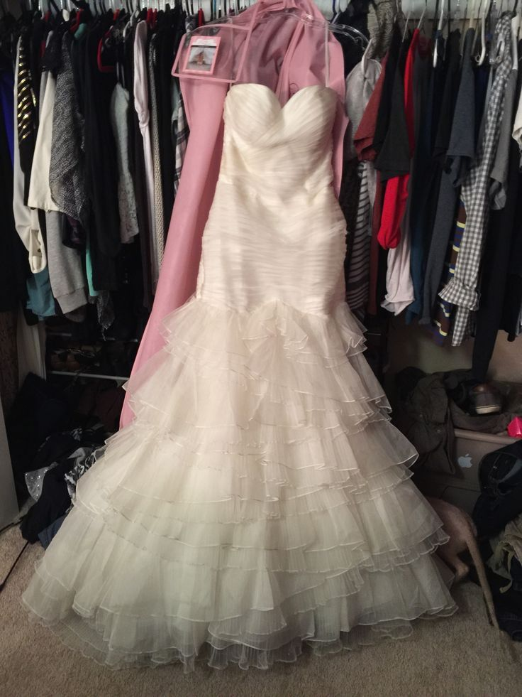 La Sposa La Sposa Mermaid Organza Wedding Dress. La Sposa La Sposa Mermaid Organza Wedding Dress on Tradesy Weddings (formerly Recycled Bride), the world's largest wedding marketplace. Price $400...Could You Get it For Less? Click Now to Find Out!