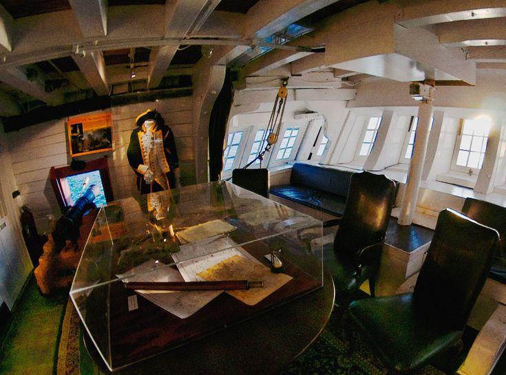 Captain 39 s cabin on the hms surprise pirate pinterest for Captain s cabin
