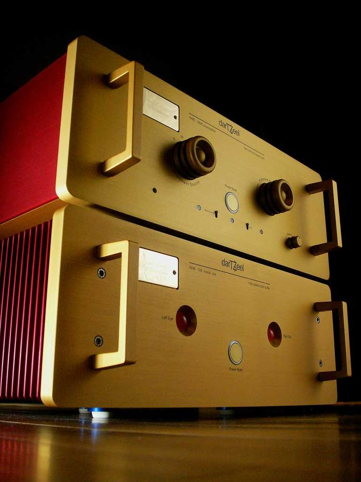 Dartzeel NHB-18NS pre-amplifier and NHB-108 power amplifier