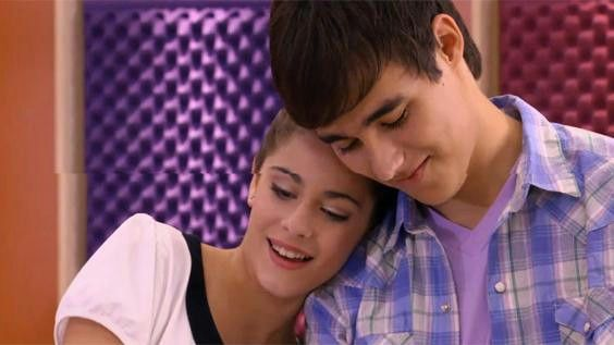 Violetta Staffel 1 Violetta und Leon singen  Voy por ti