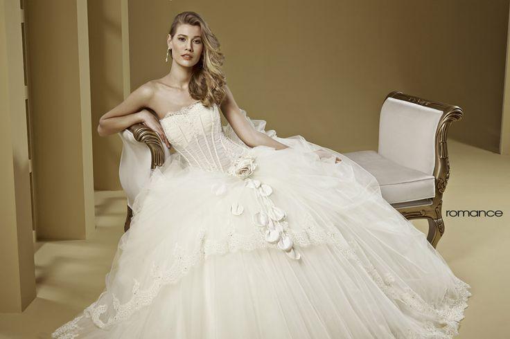 GLAMOUR ROMANCE-23 abiti da sogno, per #matrimoni di grande classe: #eleganza e qualità #sartoriale  www.mariages.it