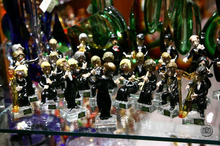 Szimfonikus zenekar porcelánból