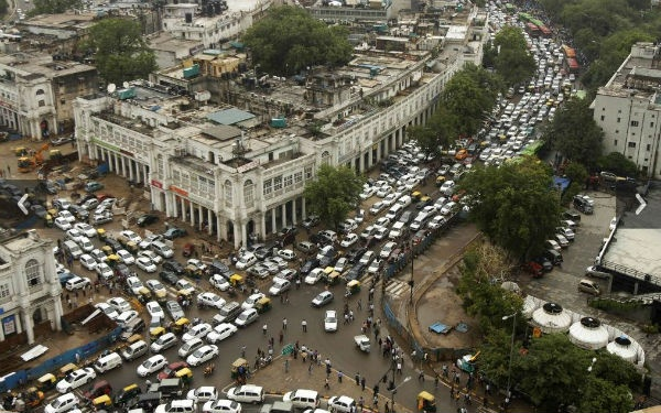 Wow, 600 million ppl lose power in India...we freak out when a small city loses power here