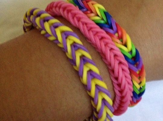 How to Make a Rainbow Loom Fishtail Bracelet
