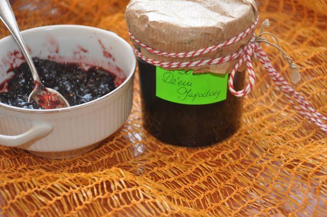 w mojej kuchni: Dżem jagodowy ---   marmellata di mirtilli