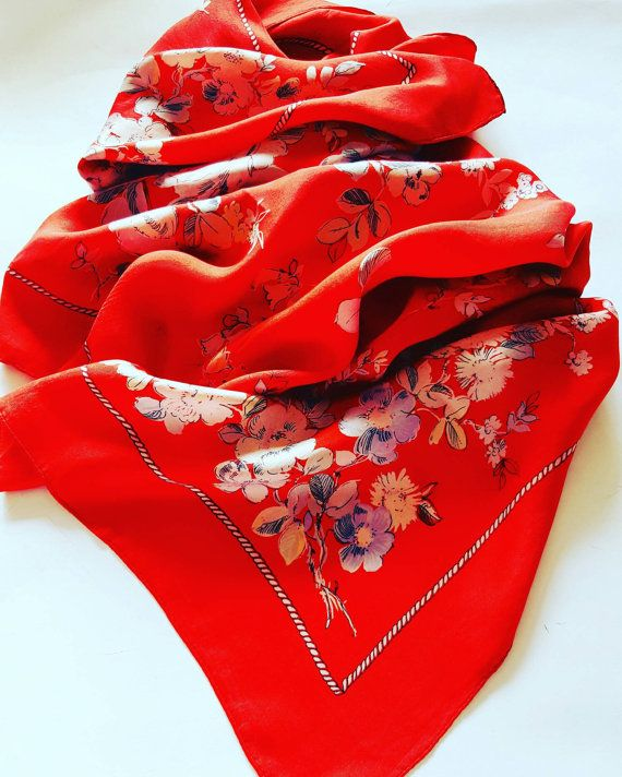 #vintage #fashion #red #flowers https://www.etsy.com/it/listing/468792542/foulard-vintage