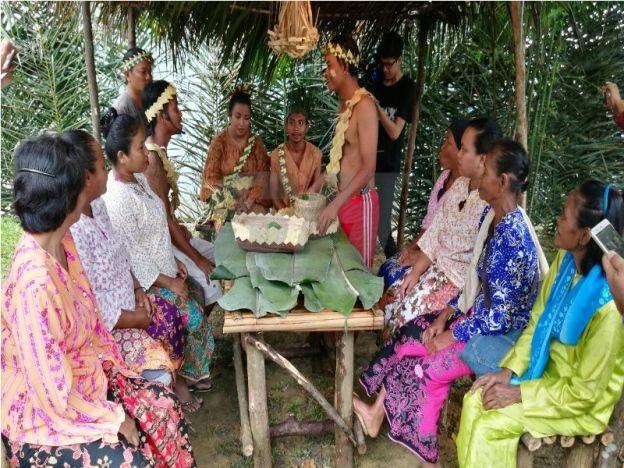 adat orang asli semai Secara umumnya, subetnik semai perak merupakan golongan masyarakat orang asli yang tinggal di kawasan melayu dan mengamalkan cara hidup seperti masyarakat melayu.