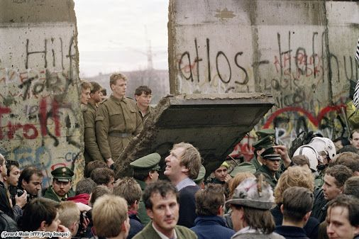 """""""27 years ago today the whole world celebrated the falling of the Berlin Wall, 1989."""": https://twitter.com/HistoryInPix/status/796527199713165313 https://en.wikipedia.org/wiki/Berlin_Wall"""