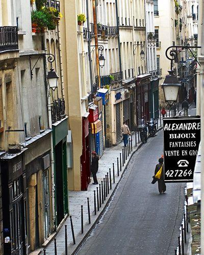 Rue des Gravilliers, Le Marais, Paris, France. Photograph by Harold Hingle