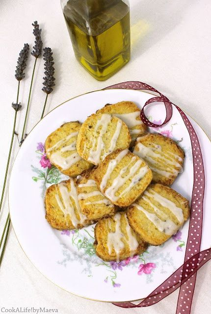 Sablés huile d'olive, citron et lavande, glaçage citron & lavande