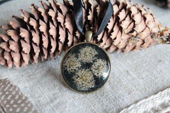 Botanical jewelry Boho glass pressed flower real by Miodunka
