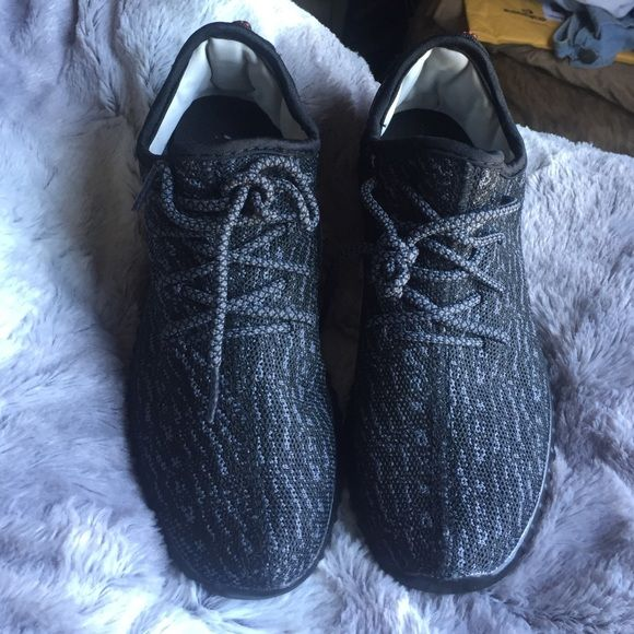 yeezy boost 350 brand new never worn pirate black yeezy boost 350. price reflects auth