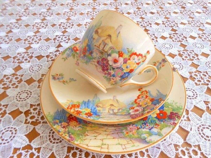 Lovely trio of tea cup, saucer and bred dish